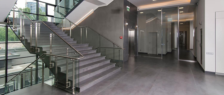 Fachadas y Cerramientos en aluminio, pvc, cristal y acero